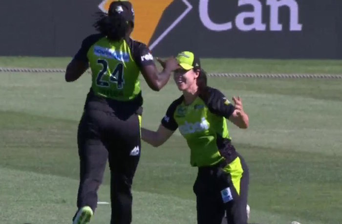 Lisa Griffith catch WBBL